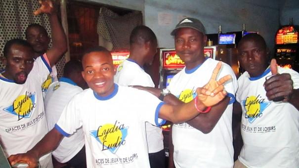 Animation Lydia Ludic Togo de l'Espace de Jeux et de Loisirs situé dans le bar partenaire Cantine Aéro, dans le quartier SITO-Aéroport de Lomé