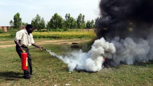 Les agents de Lydia Ludic Burkina Faso ont suivi une formation contre les incendies à Ouagadougou