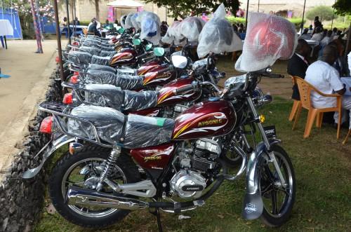 16-01-Lydia-Ludic-Togo-Lome-RH-Voeux-Passation-moto-3