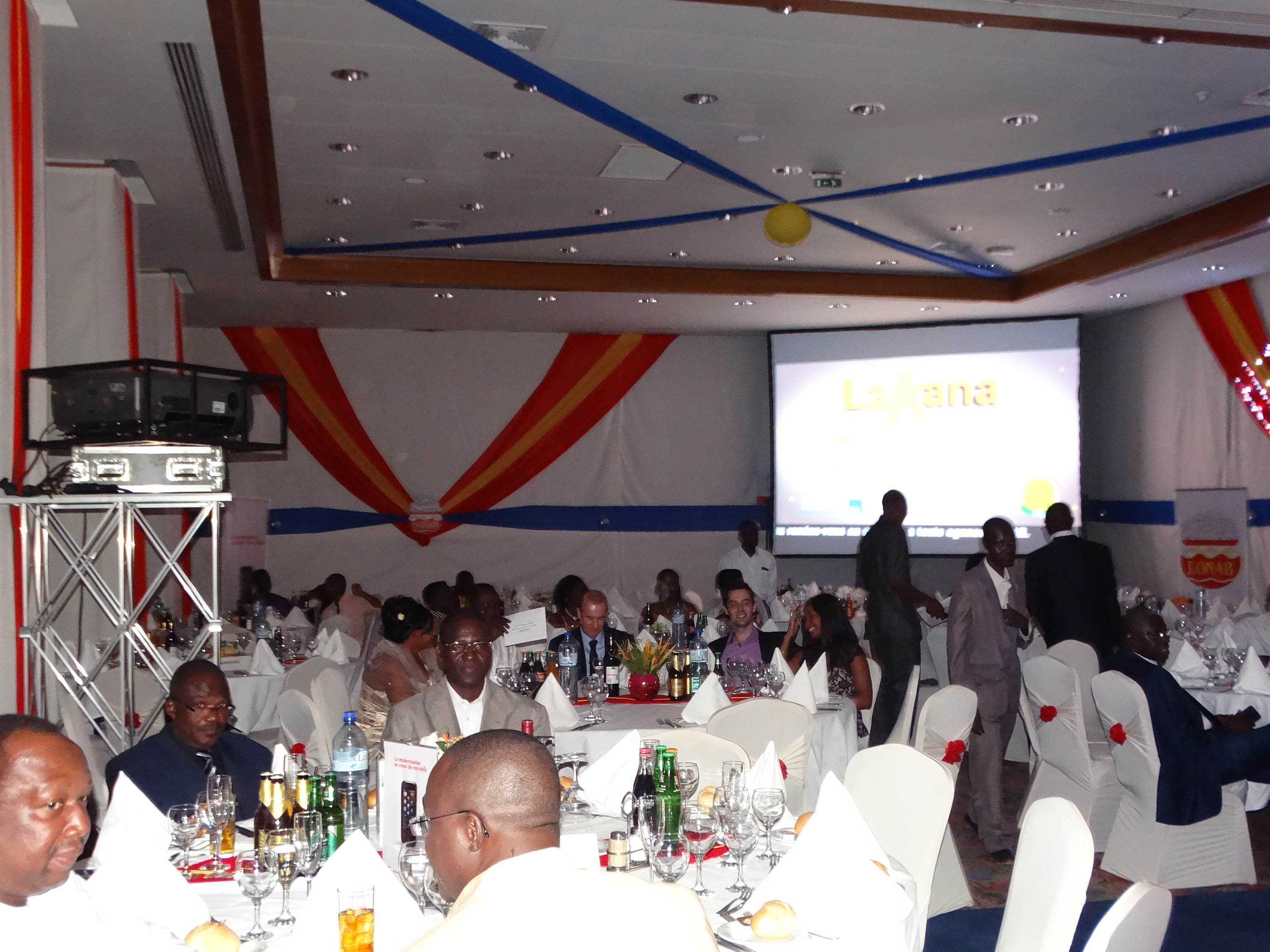 Lydia Ludic Burkina Faso a apporté son soutien à la LONAB pour l'organisation de sa soirée de gala