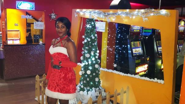Lydia Ludic Côte d'Ivoire a divertit les clients du Novotel pour la soirée du Réveillon du Nouvel An de l'hôtel