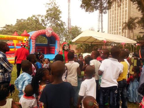 Lydia Ludic Côte d'Ivoire a organisé l'arbre de Noël des enfants de ses agents