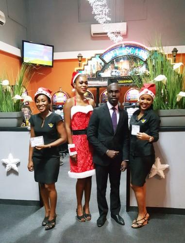 Lydia Ludic Côte d'Ivoire a récompensé ses agents pendant les fêtes de Noël