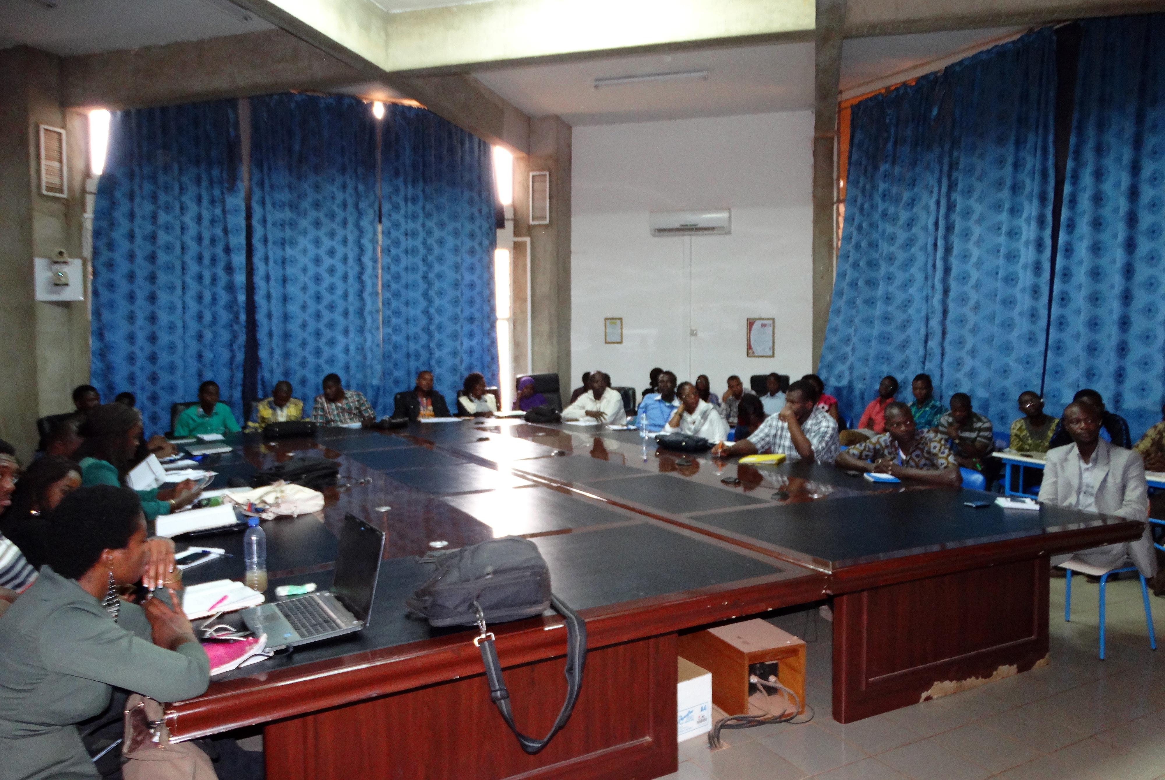 M. Jean-Pierre CHAUVIGNAC a donné une conférence sur la Responsabilité Sociétale de Lydia Ludic Burkina Faso
