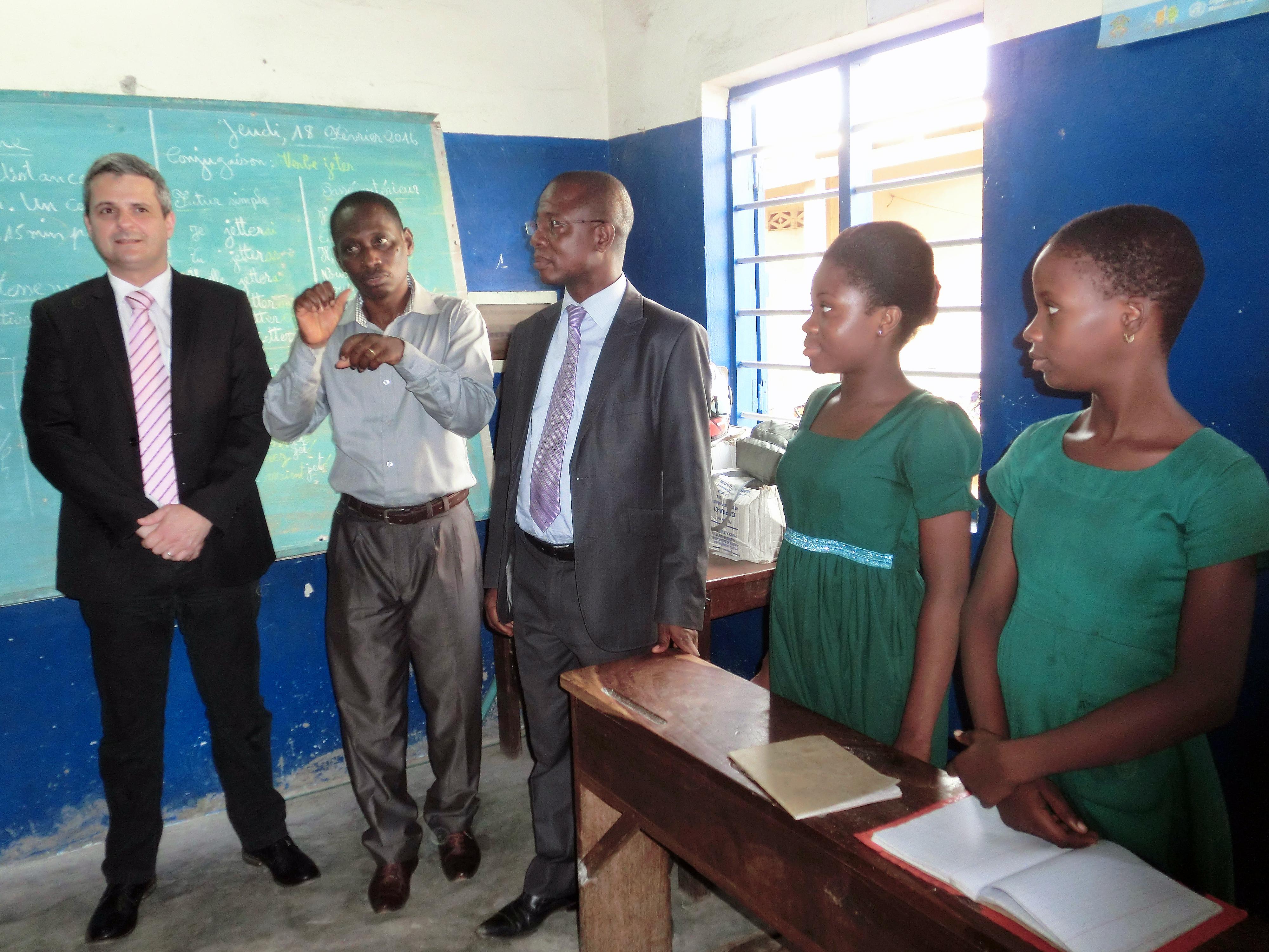 16-02-Lydia-Ludic-Togo-Lomé-CSR-Social-cantine-vivenda-ecole-sourds (18)