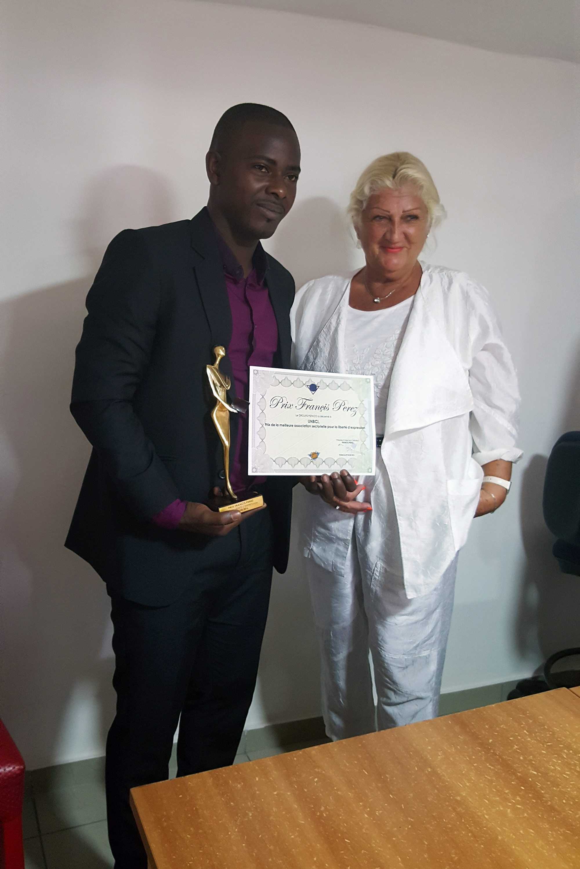 16-02-Lydia-Ludic-Côte-dIvoire-Abidjan-CSR-Social-Prix-Francis-Perez-Liberté-Expression (4)