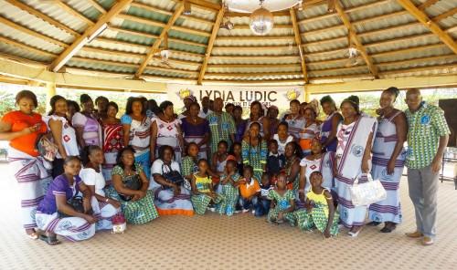 16-03-Lydia-Ludic-Burkina-Faso-Bobo-Dioulasso-CSR-Interne-Journée-de-la-femme-Top-Etoile-famille (1)