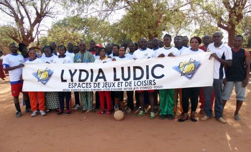 16-03-Lydia-Ludic-Burkina-Faso-Bobo-Dioulasso-CSR-Interne-Journée-de-la-femme-Top-Etoile-famille (2)