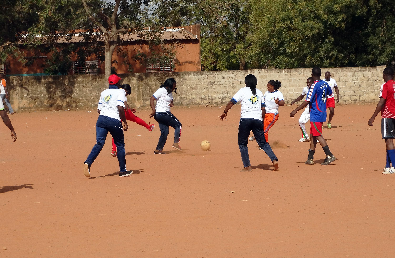 16-03-Lydia-Ludic-Burkina-Faso-Bobo-Dioulasso-CSR-Interne-sport-Journée-de-la-femme-Top-Etoile-Football (2)