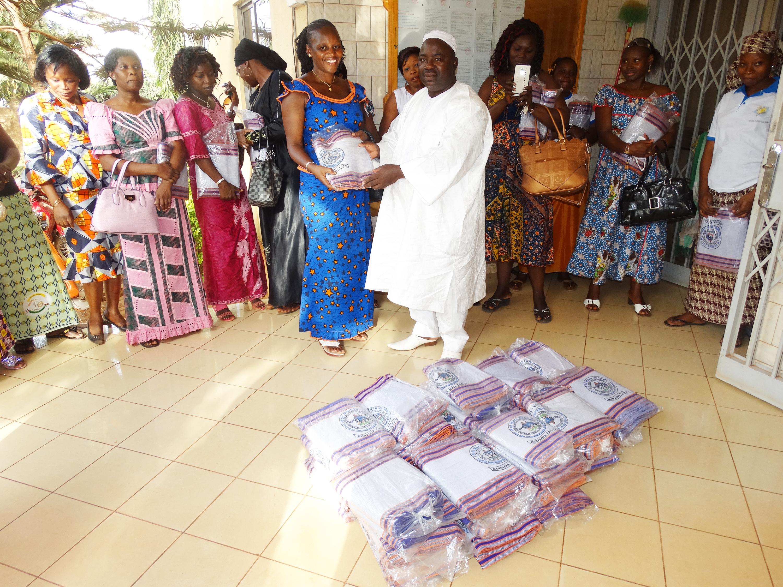 16-03-Lydia-Ludic-Burkina-Faso-CSR-Interne-don-Pagnes-Journée-de-la-femme (1)