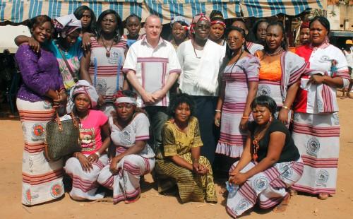 16-03-Lydia-Ludic-Burkina-Faso-Ouagadougou-CSR-Interne-Journée-de-la-femme-AFELL-famille (2)