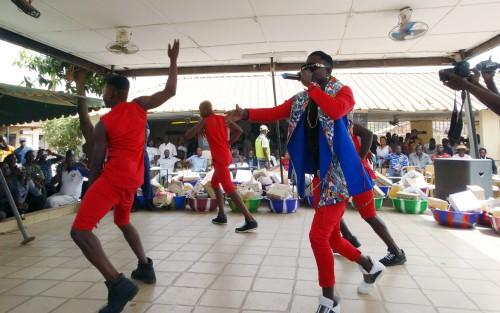 16-03-Lydia-Ludic-Burkina-Faso-Ouagadougou-CSR-interne-présentation-voeux (1)