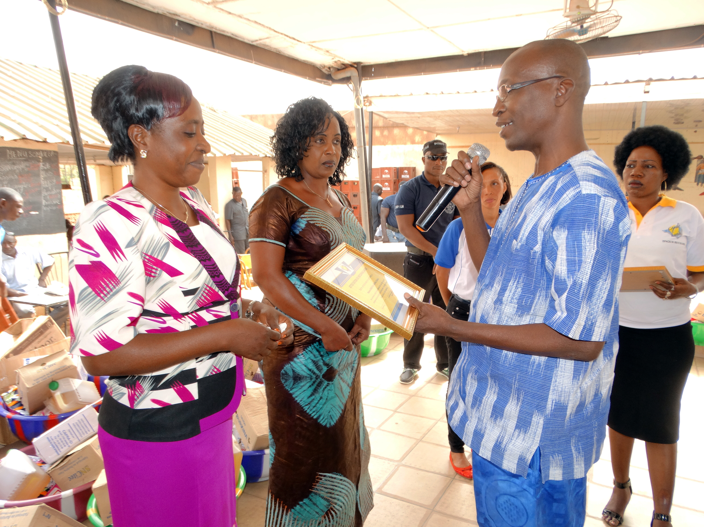 16-03-Lydia-Ludic-Burkina-Faso-Ouagadougou-CSR-interne-remerciements-retraités (8)