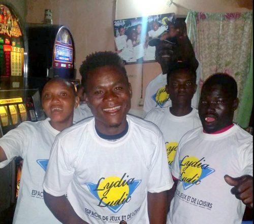 Animation Lydia Ludic Togo de l'Espace de Jeux et de Loisirs situé dans le bar partenaire Champs Elysées 2 dans le quartier Agoè Zongo de Lomé