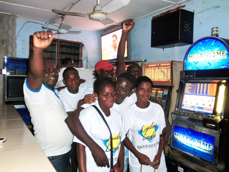Animation Lydia Ludic Togo de l'Espace de Jeux et de Loisirs situé dans le bar partenaire Ben City dans le quartier Bè de Lomé