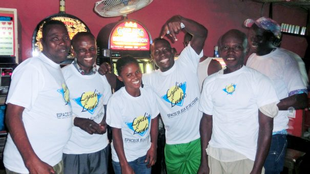 Animation Lydia Ludic Togo de l'Espace de Jeux et de Loisirs situé dans le bar partenaire Kunam dans le quartier Aguiar Komé de Lomé
