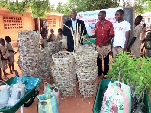 Lydia Ludic Togo a soutenu l'association Culture Plus dans son action environnementale auprès des enfants de Lomé