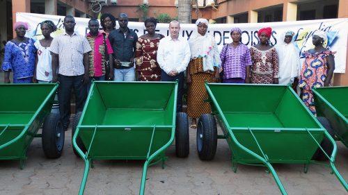 Protection de l'environnement : Lydia Ludic Burkina Faso est venu en aide à deux associations de femmes