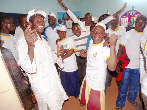 16-06-Lydia-Ludic-Burkina-Faso-Hounde-Animation-Saphyto-sourire (1)