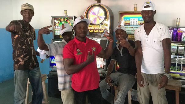 Animation Lydia Ludic Côte d'Ivoire de l'Espace de Jeux et de Loisirs situé dans le bar partenaire Casino Sanwi dans le quartier Aboisso d'Abidjan
