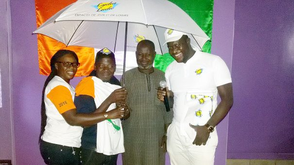 Lydia Ludic a célébré l'Indépendance de la Côte d'Ivoire en compagnie de sa clientèle