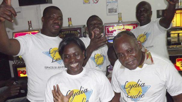 Animation Lydia Ludic Togo de l'Espace de Jeux et de Loisirs situé dans le bar partenaire Choisir dans le quartier Totsi de Lomé