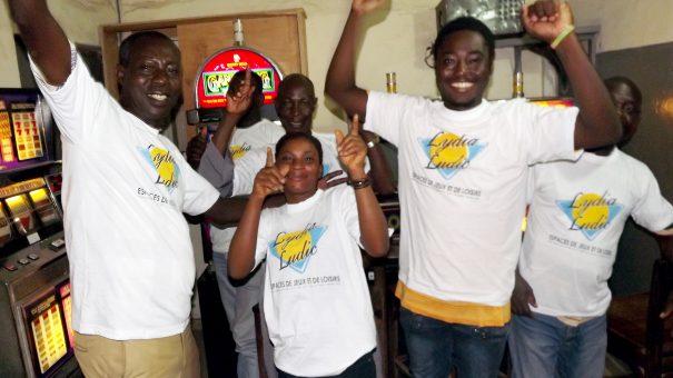 Animation Lydia Ludic Togo de l'Espace de Jeux et de Loisirs situé dans le bar partenaire Chic Adido dans le quartier Adidogomé de Lomé
