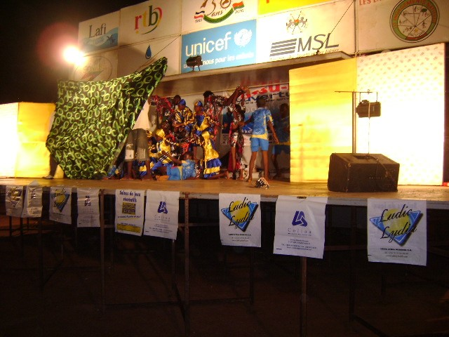 Lydia Ludic Burkina Faso parraine la 5e édition de l'USSU-BF - Novembre 2010
