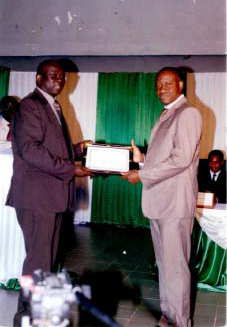 Lydia Ludic Burkina Faso sponsorise la sortie officielle de la 13e promotion des étudiants de Master en Sciences de Gestion - Janvier 2010