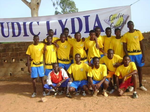Lydia Ludic Burkina Faso parraine la Coupe du Proviseur du Lycée Municipal de Bobo-Dioulasso - Mai 2011