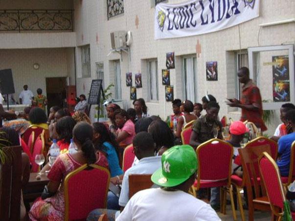 Lydia Ludic Burkina Faso sponsorise l'évènement Boom-Piscine - Avril 2011