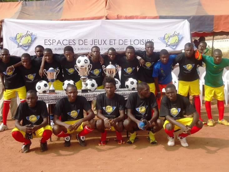 Lydia Ludic Burkina Faso parraine la Coupe du Maire de Baskuy - Octobre 2011
