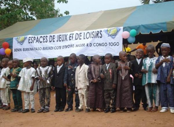 Lydia Ludic Burkina Faso sponsorise les fêtes du jardin d'enfants Le Petit Monde - Juin 2011