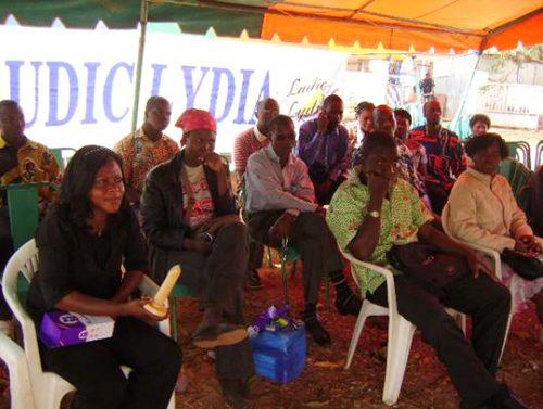 Lydia Ludic Burkina Faso sensibilise son personnel à la lutte contre le SIDA - Février 2011