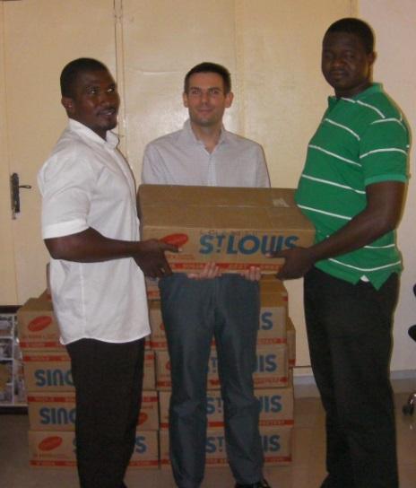 Lydia Ludic Niger fait don de sucre pour l'Aïd-El-Fitr - Juillet 2013