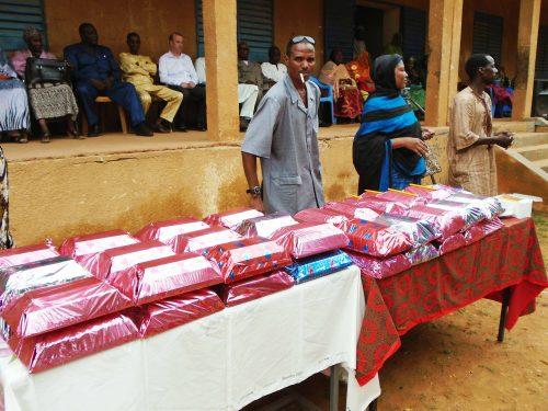 Éducation : Lydia Ludic Niger récompense les meilleurs élèves de Niamey - Juillet 2014