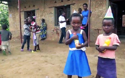 Lydia Ludic Burundi vient en aide à l'orphelinat NEZERWA - Janvier 2015
