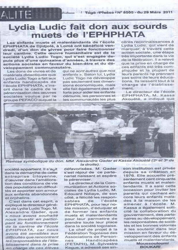 Lydia Ludic dans le journal Togo-Presse Nº8505 du 29 mars 2011 : Lydia Ludic fait dont aux sourds muets de l'EPHPHATA