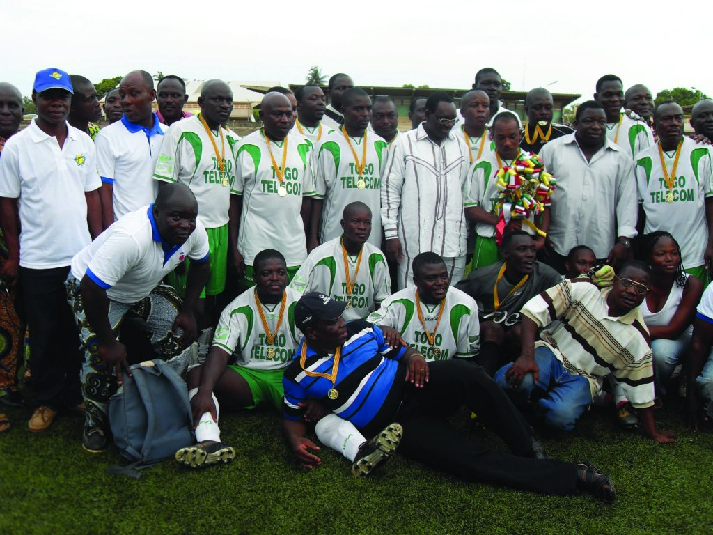 Lydia Ludic Togo sponsorise la finale du Tournoi Interprofessionnel de Football - Avril 2011
