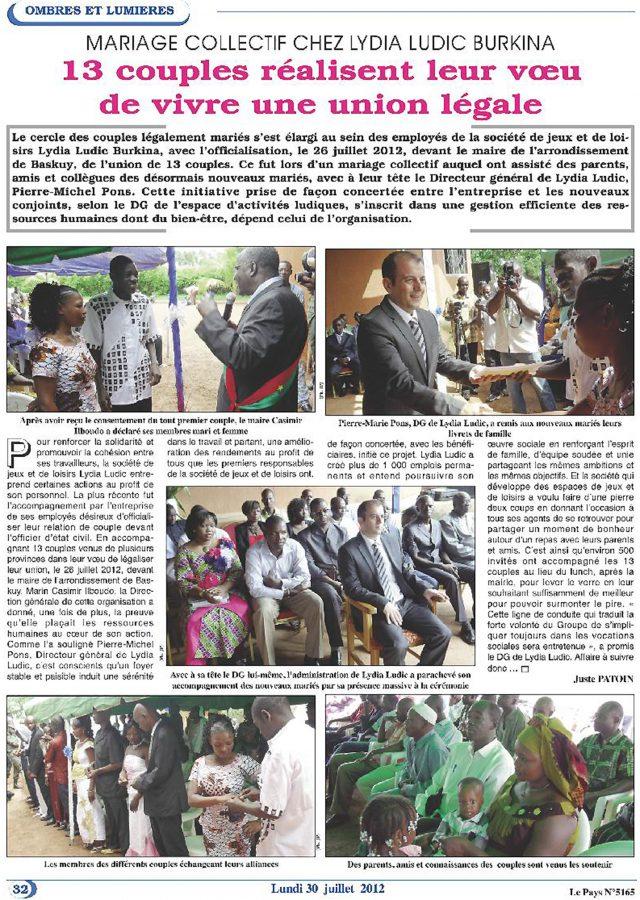 Lydia Ludic dans le journal Le Pays Nº5165 du 30 juillet 2012 : Mariage collectif chez Lydia Ludic - 13 couples réalisent leu voeu de vivre une union légale