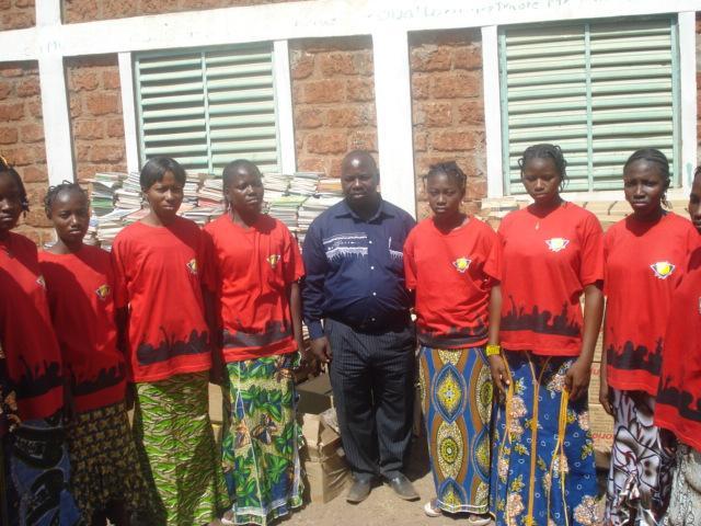 Lydia Ludic Burkina Faso apporte son soutien aux habitants deMoussodougou - Janvier 2010