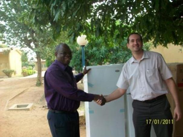 Lydia Ludic Togo offre deuxréfrigérateursaucentre d'accueil SOS Village d'Enfants Togo - Janveir 2011