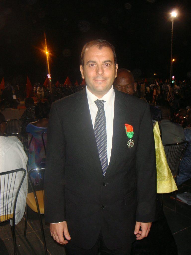 Le Directeur Général de Lydia Ludic Burkina Faso décoré dugrade de Chevalier de l'Ordre National - Décembre 2010