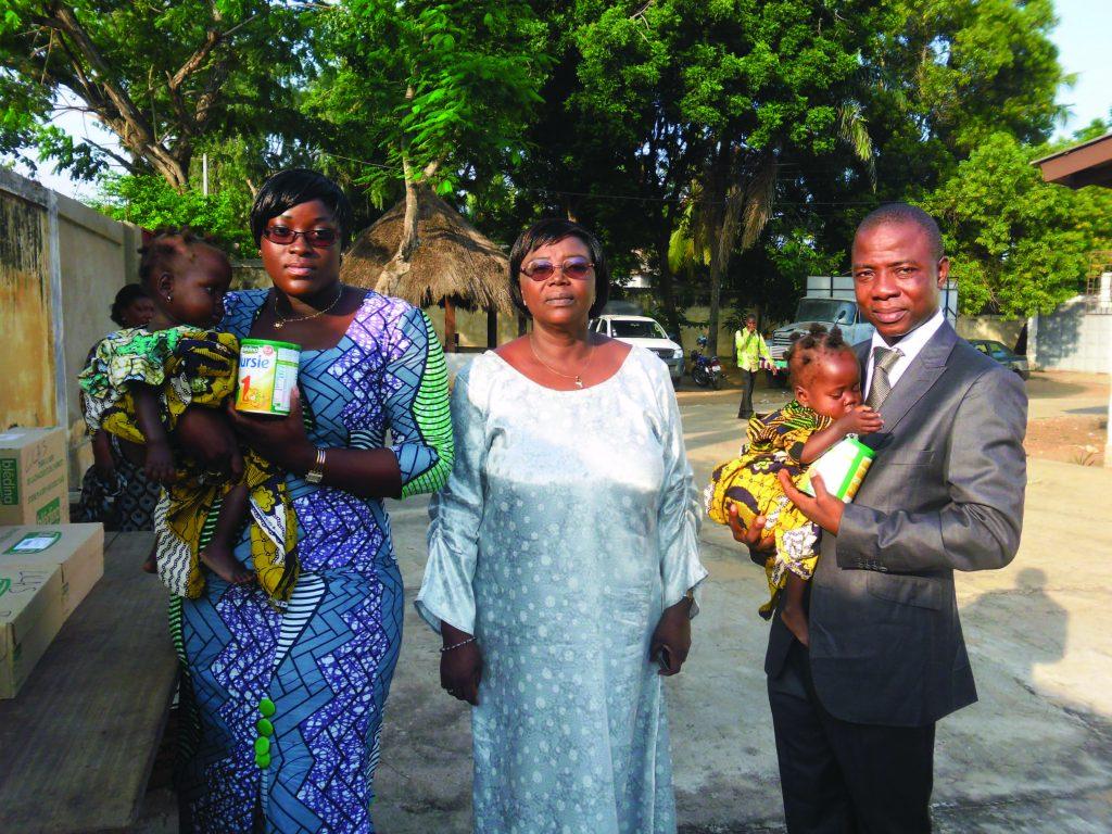 Lydia Ludic Togo fait un don auMinistère de l'Action Sociale et de la Solidarité Nationale - Juillet 2012