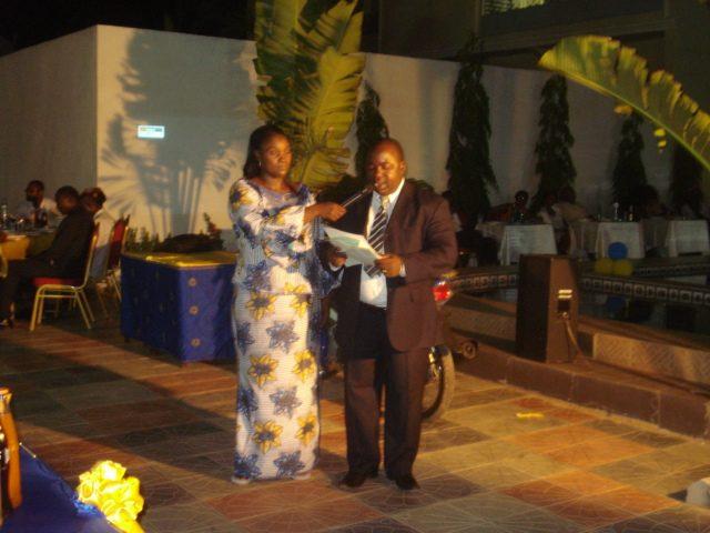 Lydia Ludic Burkina Faso sponsorisele Dîner Gala annuel du Club Inner Wheel - Mai 2012
