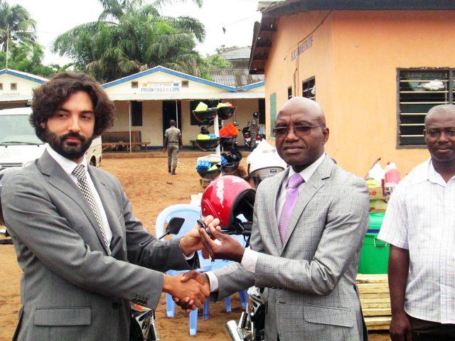 Lydia Ludic Togo apporte son soutien à la Prison civile de Lomé - Juin 2015