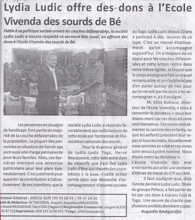 Lydia Ludic Togo dans le journal d'actualité togolais Le Canard Indépendant Nº542 du 19 février 2016 : Lydia Ludic offre des dons à l'école Vivenda des sourds de Bè