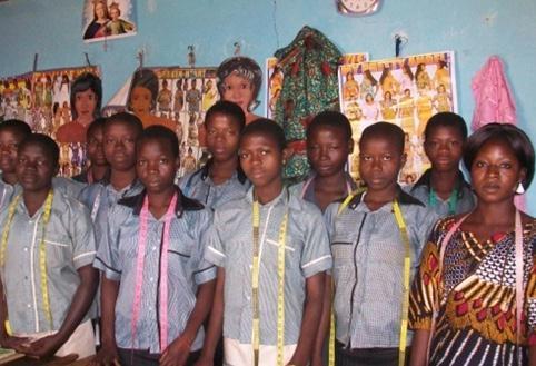 Lydia Ludic Togo soutient l'association PMI et l'école de la ville de Ketao - Février 2012