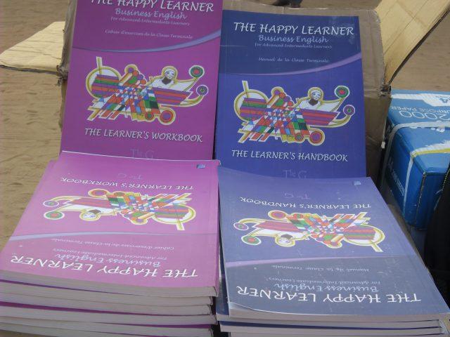 Lydia Ludic Togo fait don de livres d'anglais aux élèves de Sokodé - Novembre 2016